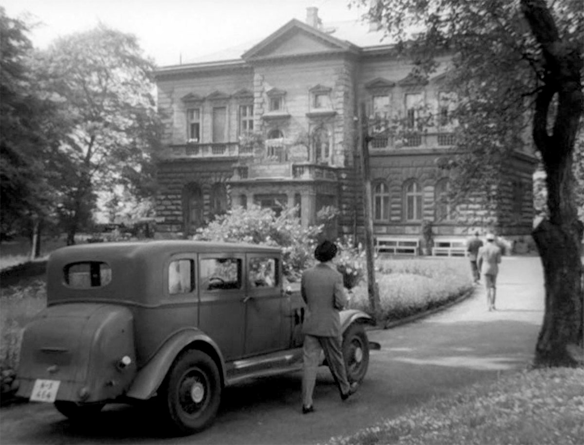 Od šedesátých let občas využívali areáltaké barrandovští filmaři. Vila Marie sidíky tomu zahrálatřeba v Hříšných lidech města pražského.