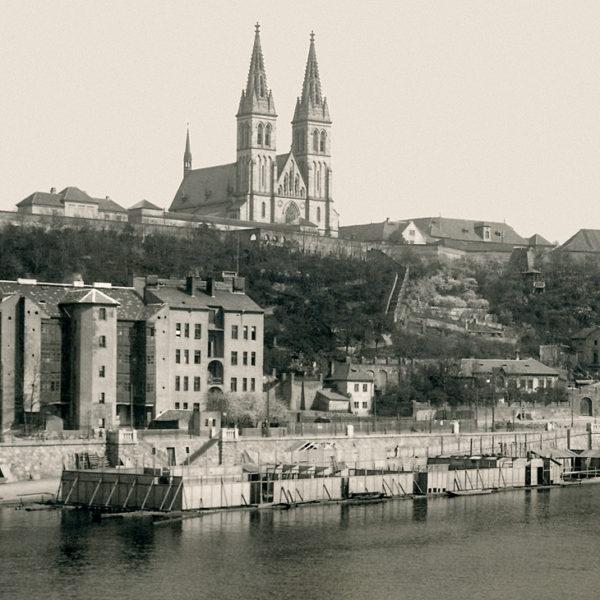 Z historie pražských plováren – Vyšehradské říční lázně