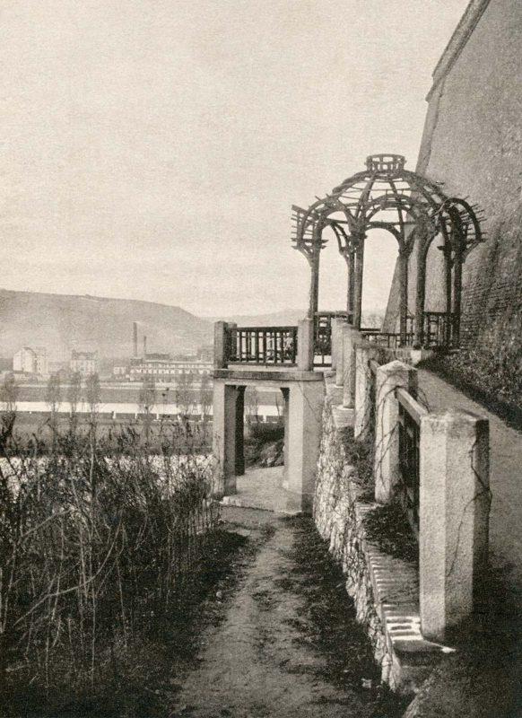 Altán v podolském sanatoriu