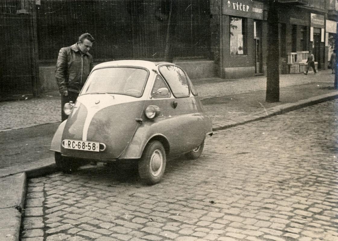 BMW Isetta v Praze