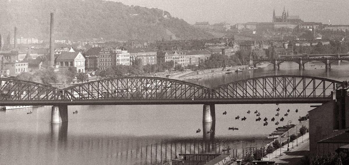 Železniční most z Vyšehradu