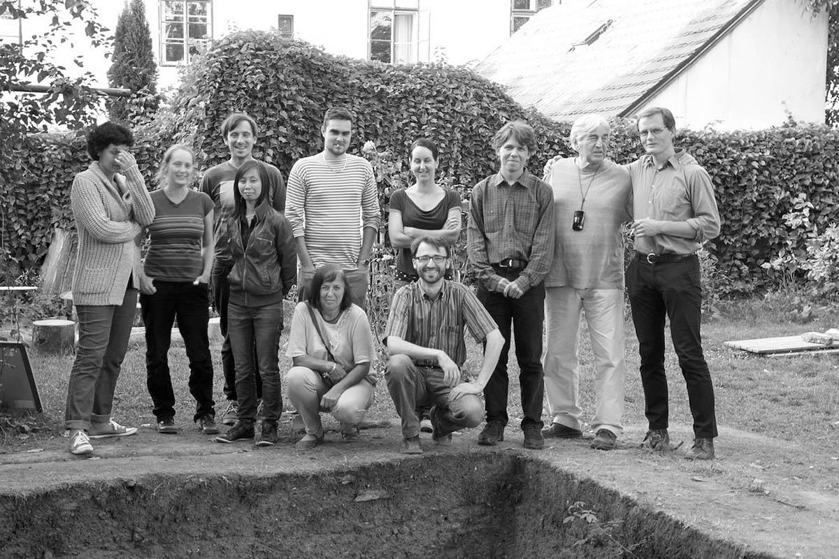 Tým vyšehradských archeologů pod vedením Dr. Bořivoje Nechvátala a Ladislava Varadzina