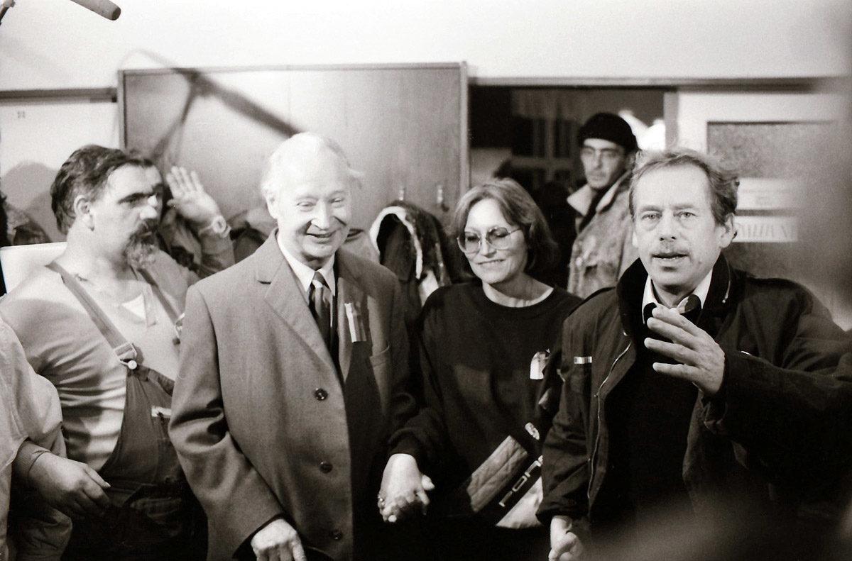 Sametová revoluce - Alexander Dubček, Marta Kubišová a Václav Havel