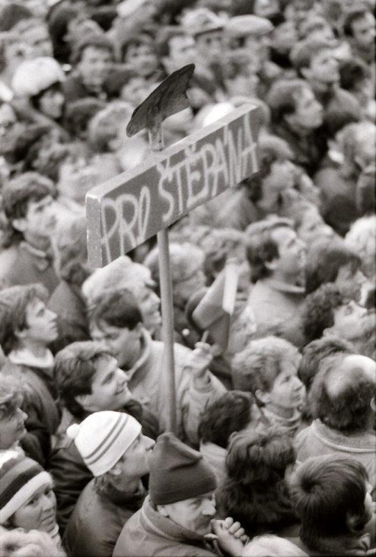 Sametová revoluce - transparent pro Miroslava Štěpána