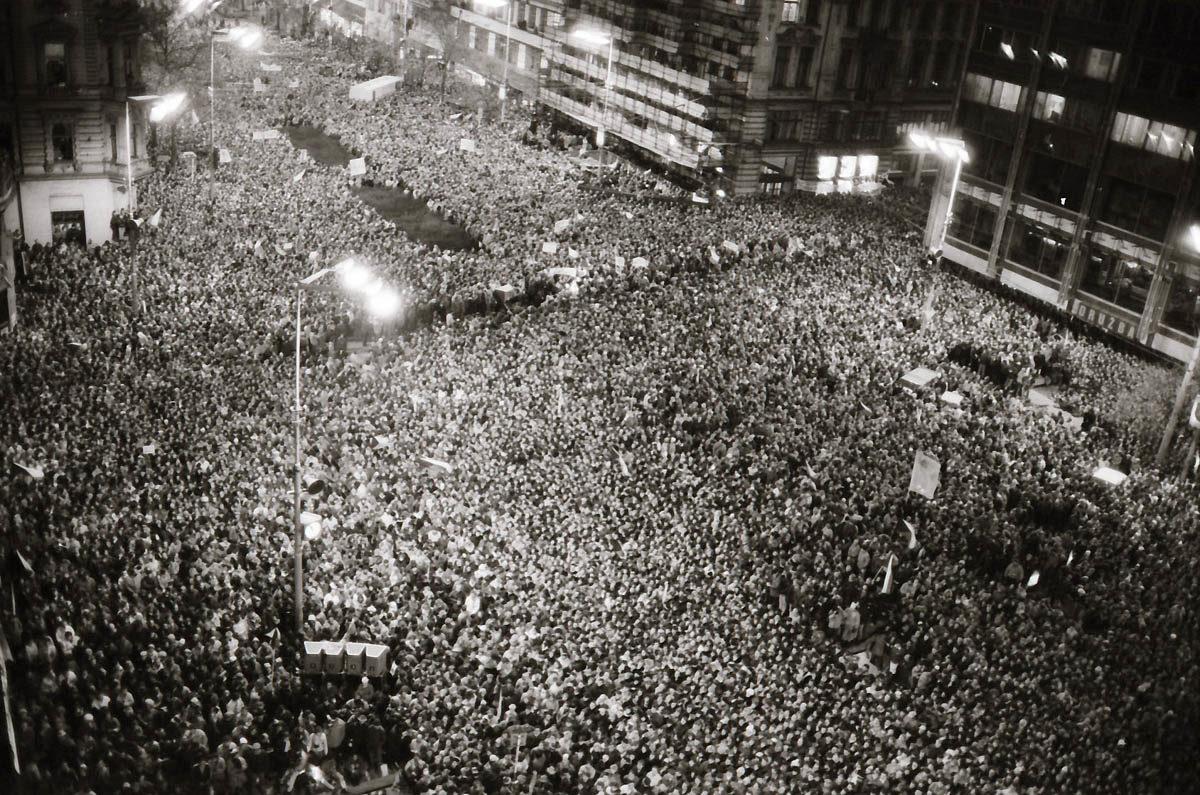 Sametová revoluce - demonstrace na Václavském náměstí