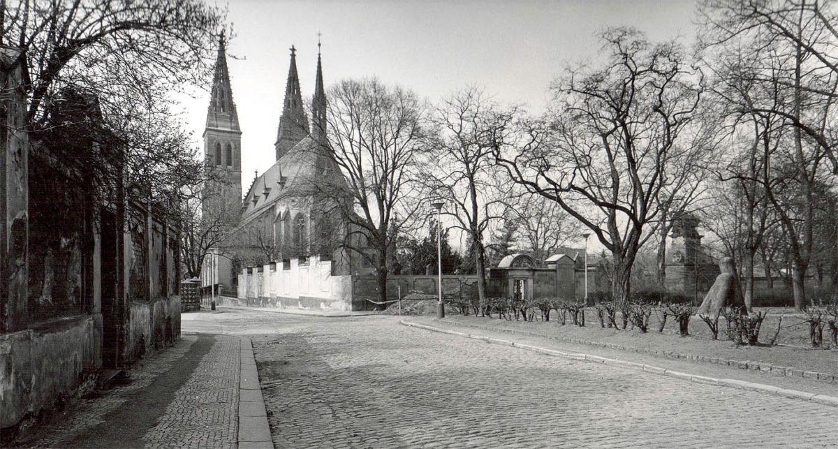 Vyšehrad, 1975 - chrám sv. Petra a Pavla