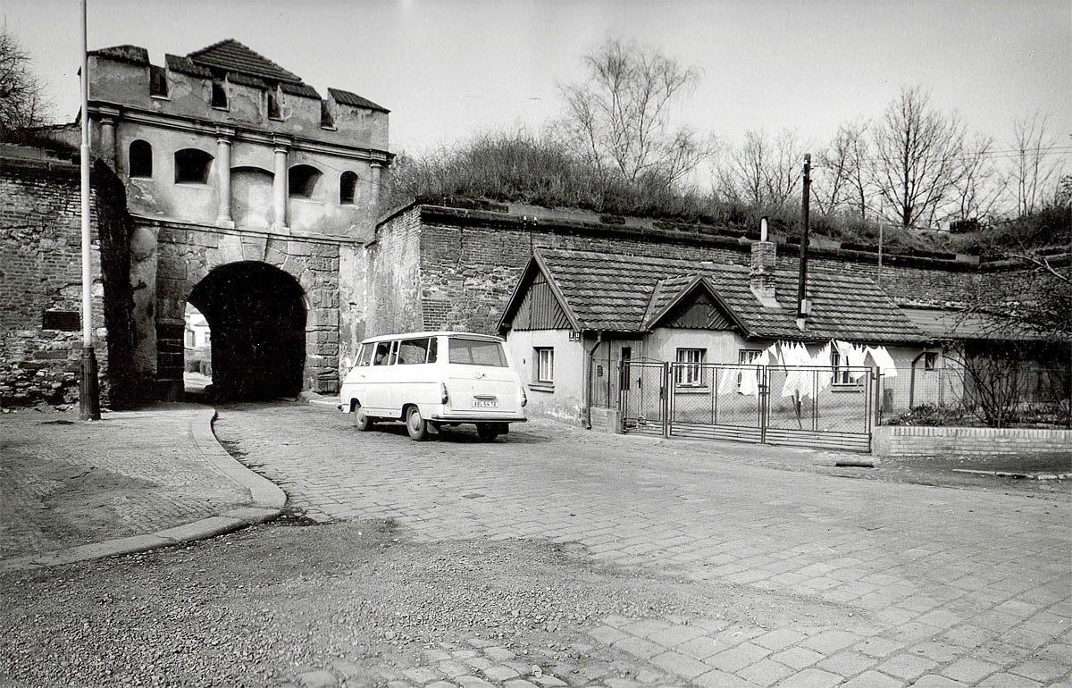 Vyšehrad, 1975 - Táborská brána