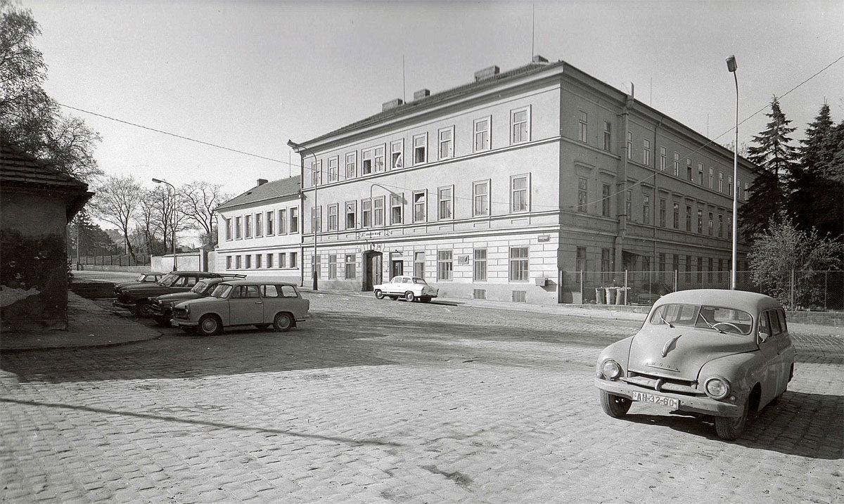 Vyšehrad, 1975 - Jedličkův ústav, tzv. Polsko