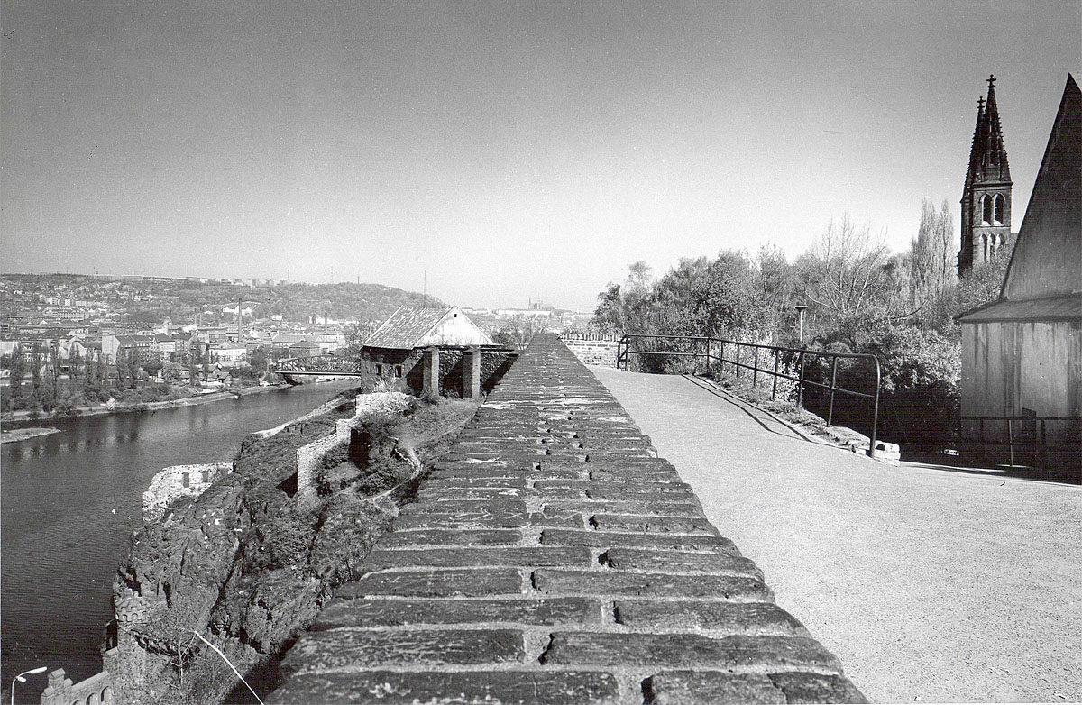 Vyšehrad, 1975 - vyhlídka nad Podolím