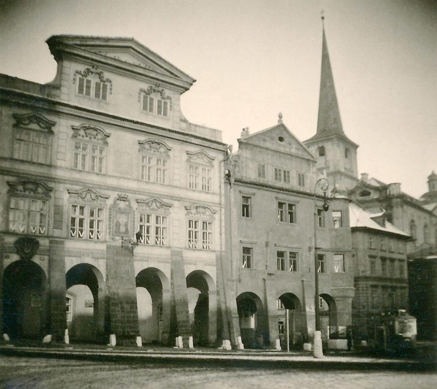 Šternberský palác, Malostranské náměstí, 1941