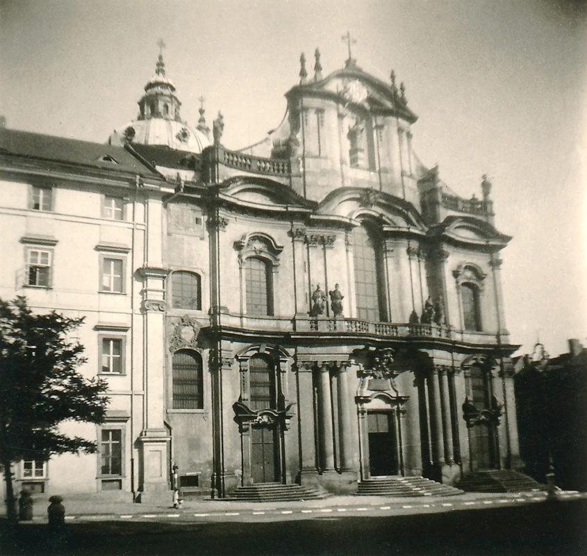 Kostel sv. Mikuláše, Malá Strana, 1941