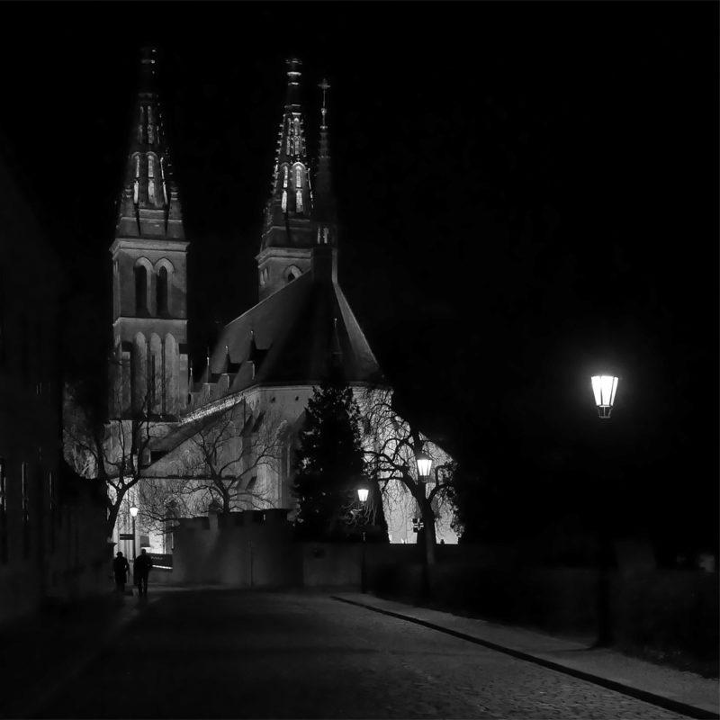 Slavnostní osvětlení vyšehradské baziliky sv. Petra a Pavla