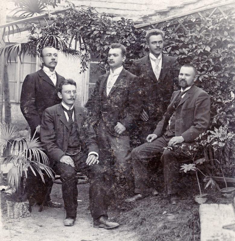 František Bakule s učitelským sborem v Družci