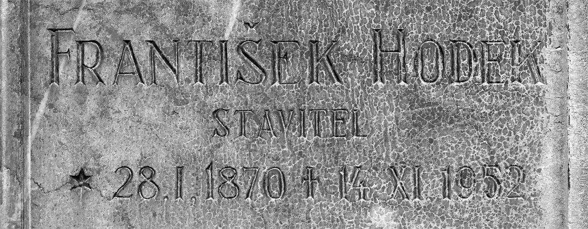 Náhrobek Františka Hodka na Vyšehradském hřbitově