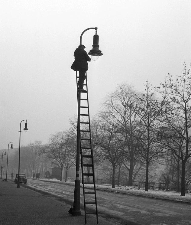František Čihák – Oprava plynové lampy