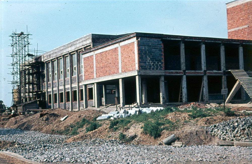 Škola Kavčí Hory, 1966