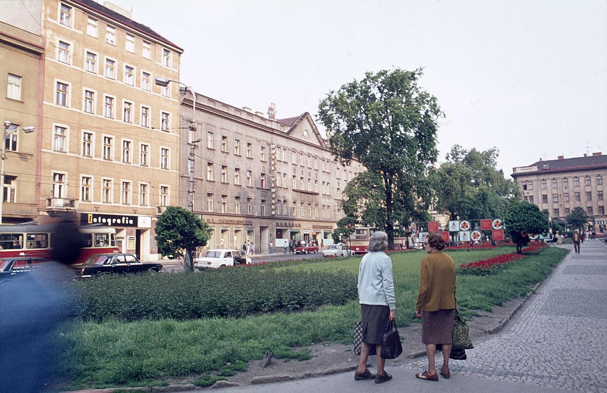 Tylovo náměstí, 1975