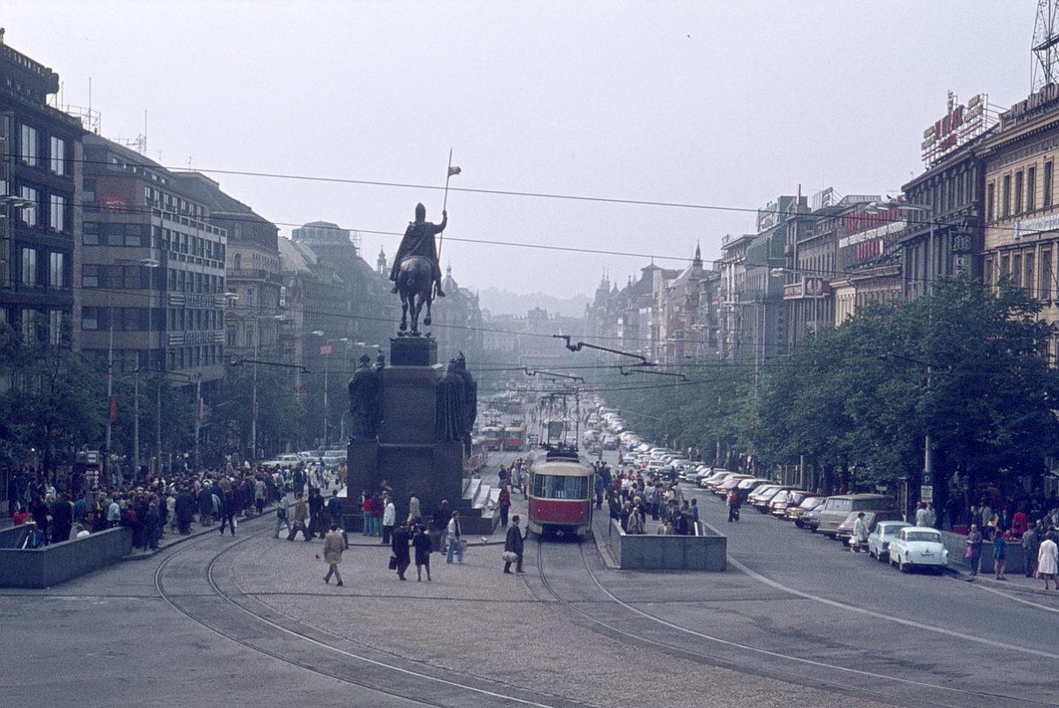Václavské náměstí, 1975
