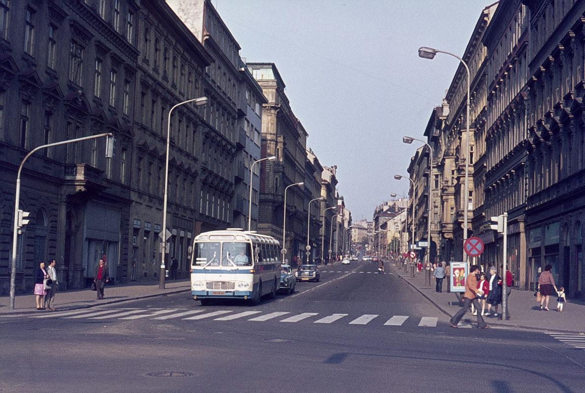 Žitná ulice, 1975
