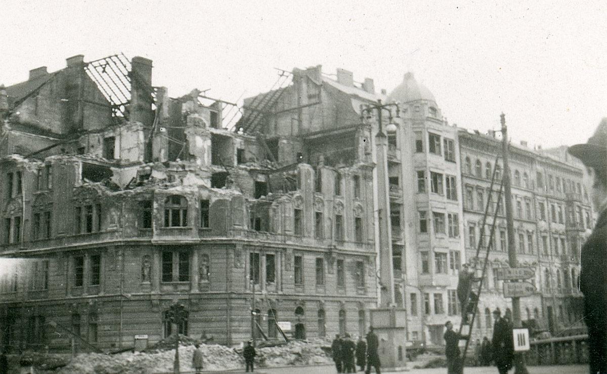 Rašínovo nábřeží, bombardování 1945