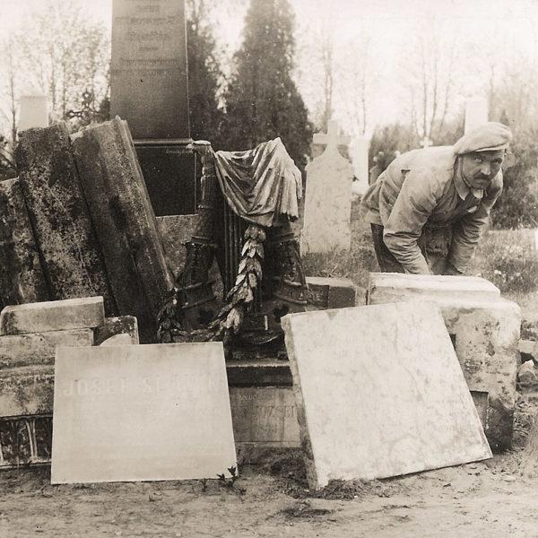 Zlatý Slavík má hrob na Vyšehradě