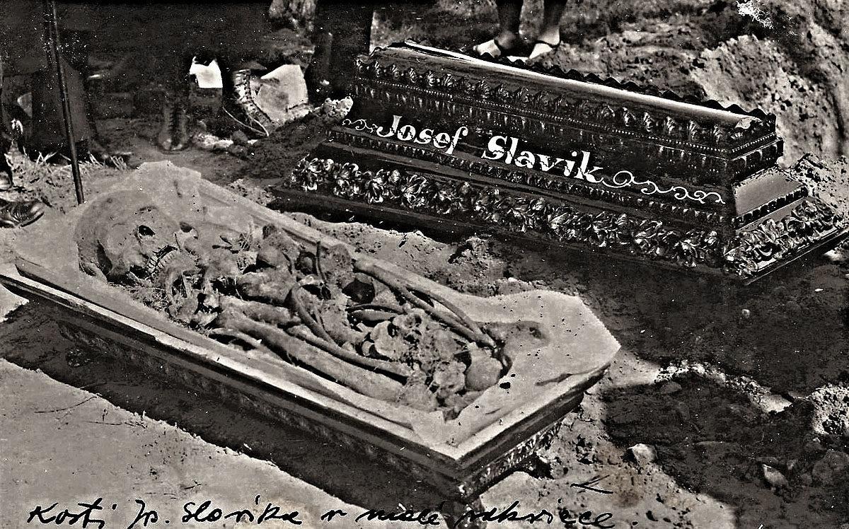 Josef Slavík - rakev s ostatky