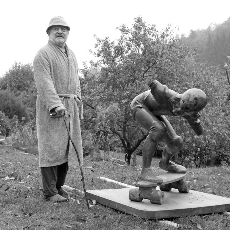 Jaroslav Hladký a socha Skateboardisty