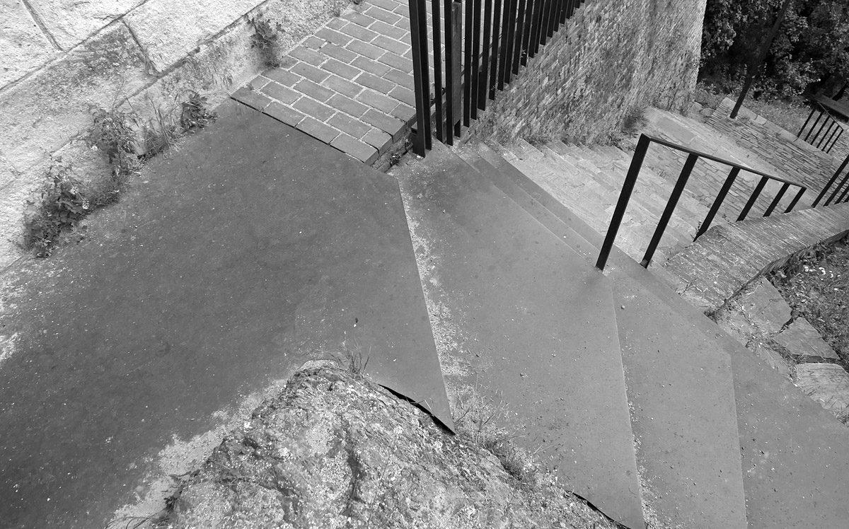 Novoměstská hradba, průchod, schody